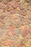 外部大厦的难看的东西石砖墙样式 库存照片