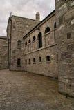外部老监狱 库存图片