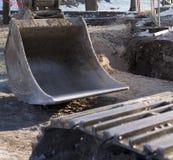 外部建筑工作结构的挖掘机铁锹 库存图片