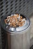 外面烟灰缸 免版税库存照片