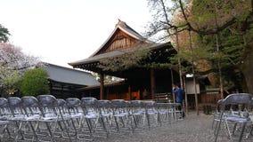 外面空的Cancert大厅在春天樱桃bloomimg的靖国神社,东京 影视素材
