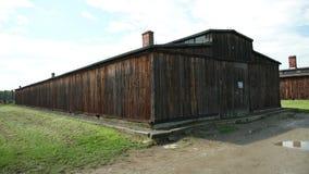 外面这由德国人杀害的哪些犹太人的营房 影视素材