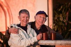 外面高级夫妇 免版税图库摄影