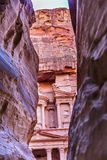 外面Siq玫瑰红的财宝下午入口Petra约旦 库存照片