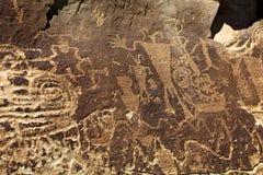 多个神Anasazi刻在岩石上的文字盘区 库存照片