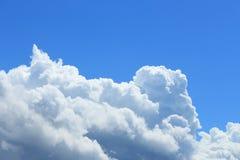多云在天空 免版税库存照片