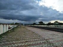 多云天气火车站美好的风景 图库摄影