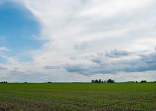 多云天气的伊利诺伊乡下 库存照片