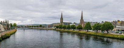多云天气的在夏天,苏格兰因弗内斯 库存照片