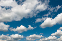 多云天空背景 免版税库存照片