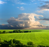 多云横向天空春天 免版税图库摄影