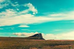 多云横向山天空 免版税图库摄影