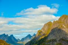 多云横向山天空 库存图片