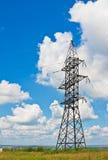 多云生产线上限天空电压 库存图片