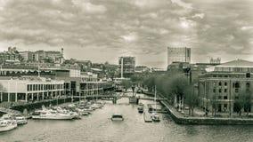 从多云的港口的布里斯托尔视图 库存图片