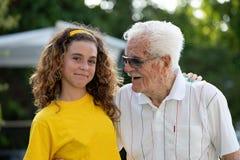 多代家庭,曾祖父,重孙女 库存图片
