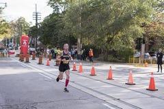 多伦多, ON/CANADA - 2017年10月22日:加拿大马拉松运动员Eoin 库存图片