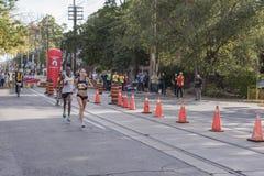 多伦多, ON/CANADA - 2017年10月22日:加拿大马拉松运动员Lynd 免版税库存图片