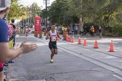 多伦多, ON/CANADA - 2017年10月22日:马拉松运动员克里斯托弗p 免版税库存图片