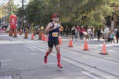 多伦多, ON/CANADA - 2017年10月22日:马拉松运动员弗雷德里克Bouc 图库摄影