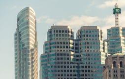 多伦多- 2008年7月12日:城市大厦在一个夏日 多伦多 免版税库存照片