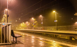维多利亚公园驻地在雨在晚上-墨尔本,澳大利亚中 免版税图库摄影
