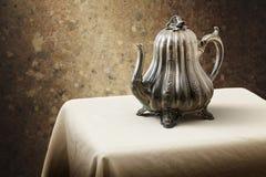 维多利亚女王时代的咖啡罐 免版税库存照片