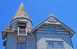 维多利亚女王时代的房子部份看法有圆屋顶的 库存照片