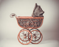 维多利亚女王时代的摇篮车 免版税库存图片