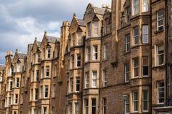 维多利亚女王时代的廉价公寓住房看法在爱丁堡的伦敦西区的 图库摄影