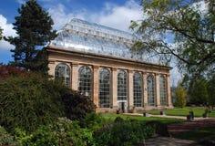 维多利亚女王时代的玻璃温室 免版税库存照片