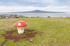 从维多利亚小山,奥克兰, N的风景看法朗伊托托岛 库存照片
