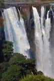 维多利亚瀑布看法从地面的 Mosi oaTunya国家公园 并且世界遗产名录站点 Zambiya 津巴布韦 库存照片