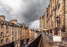 维多利亚街在爱丁堡,苏格兰 图库摄影