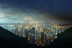 从维多利亚` s峰顶的香港海岛在晚上 免版税库存照片