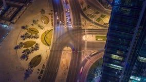 多哈视图下来timelapse录影交叉路交叉点夜点燃skycreapers卡塔尔,中东 股票录像