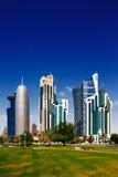 多哈Corniche是江边散步在多哈,卡塔尔 免版税库存照片