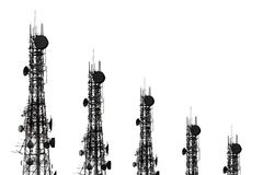 多孔的手机和communicati天线的剪影  库存照片