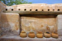 多孔黏土黏土印第安罐墙壁 库存照片