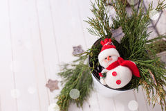 多孔黏土背景圣诞节创建了装饰以图例解释者照片 免版税库存图片