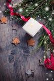 多孔黏土背景圣诞节创建了装饰以图例解释者照片 库存图片