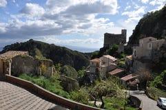多小山西西里岛 免版税库存图片