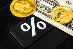 多少百分之是的金子和增长或下降美国的美元 图库摄影