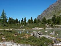 多山高kuiguk的湖 库存照片