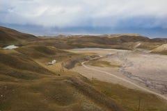 多山Kirghizia的风景 免版税库存图片