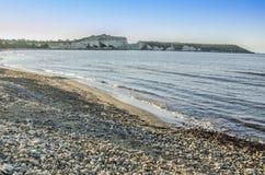 多岩石的海滩和峭壁 库存照片