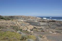 多岩石的海滩在奥古斯塔西澳州 免版税库存图片
