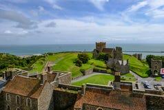 多弗城堡,多弗,肯特,英国- 2017年8月17日:鸟瞰图fr 库存图片