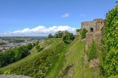 多弗,肯特,英国- 2017年8月17日:多弗城堡、墙壁和图o 库存图片