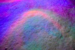 多彩多姿的光照亮冷,白色雪 库存图片